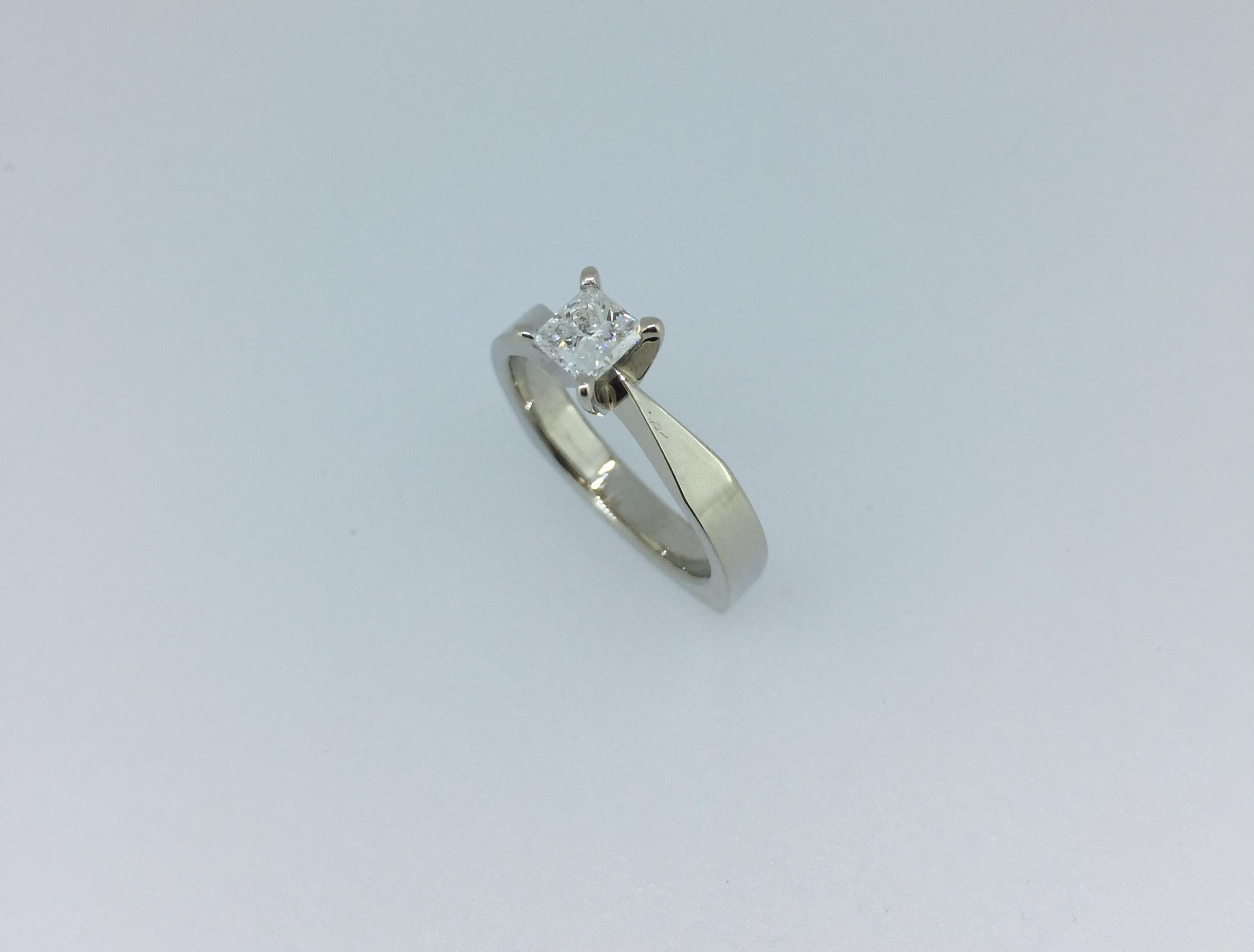 Sužadėtuvių žiedas dizainas 14